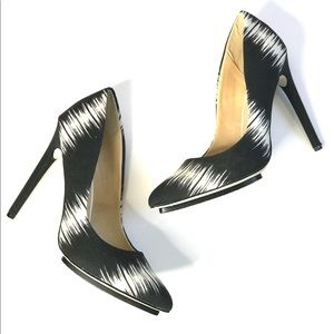 GX by GWEN STEFANI 9 Ayame black and white heels